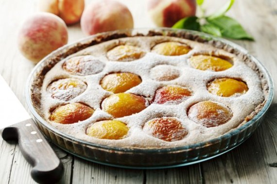 18732_letnji-tart-stock-photo-delicious-homemade-peach-tart-made-with-fresh-organic-ingredients-shutterstock_35416153_iff