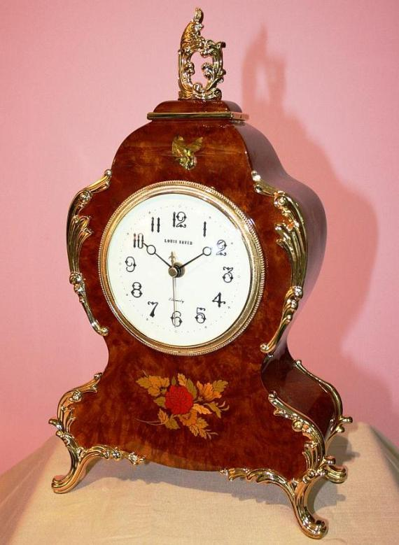 Antique style wooden mantle clock with large dial and inlay. - Copy