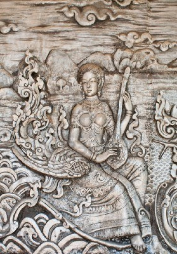 11855169-thai-art-of-carving-wood-wall