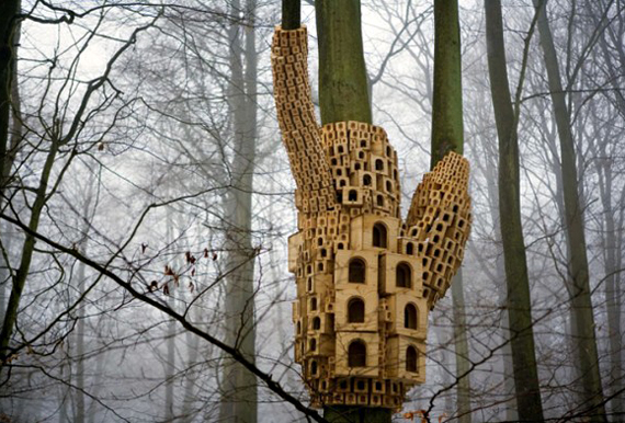 spontaneous-city-birdhouse-birdhouses-london-kings-wood-unique-beautiful-bird-house-art-outdoor-installation-tree