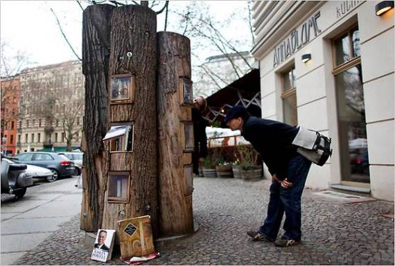 book-forest-bookshelf-trees-in-berlin-1